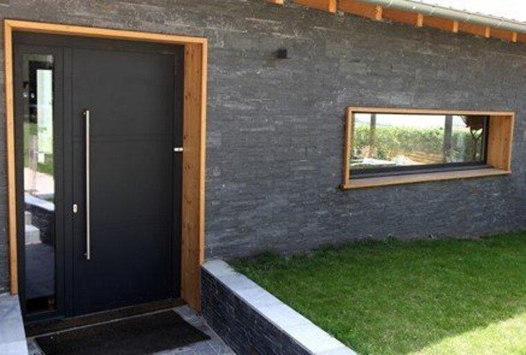 Fenêtres et portes, aluminium, gris noir, Saint-Etienne