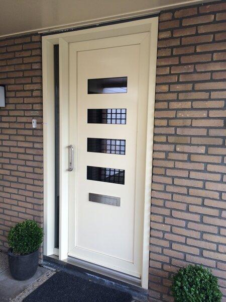 Kunststof voordeur in Meppel